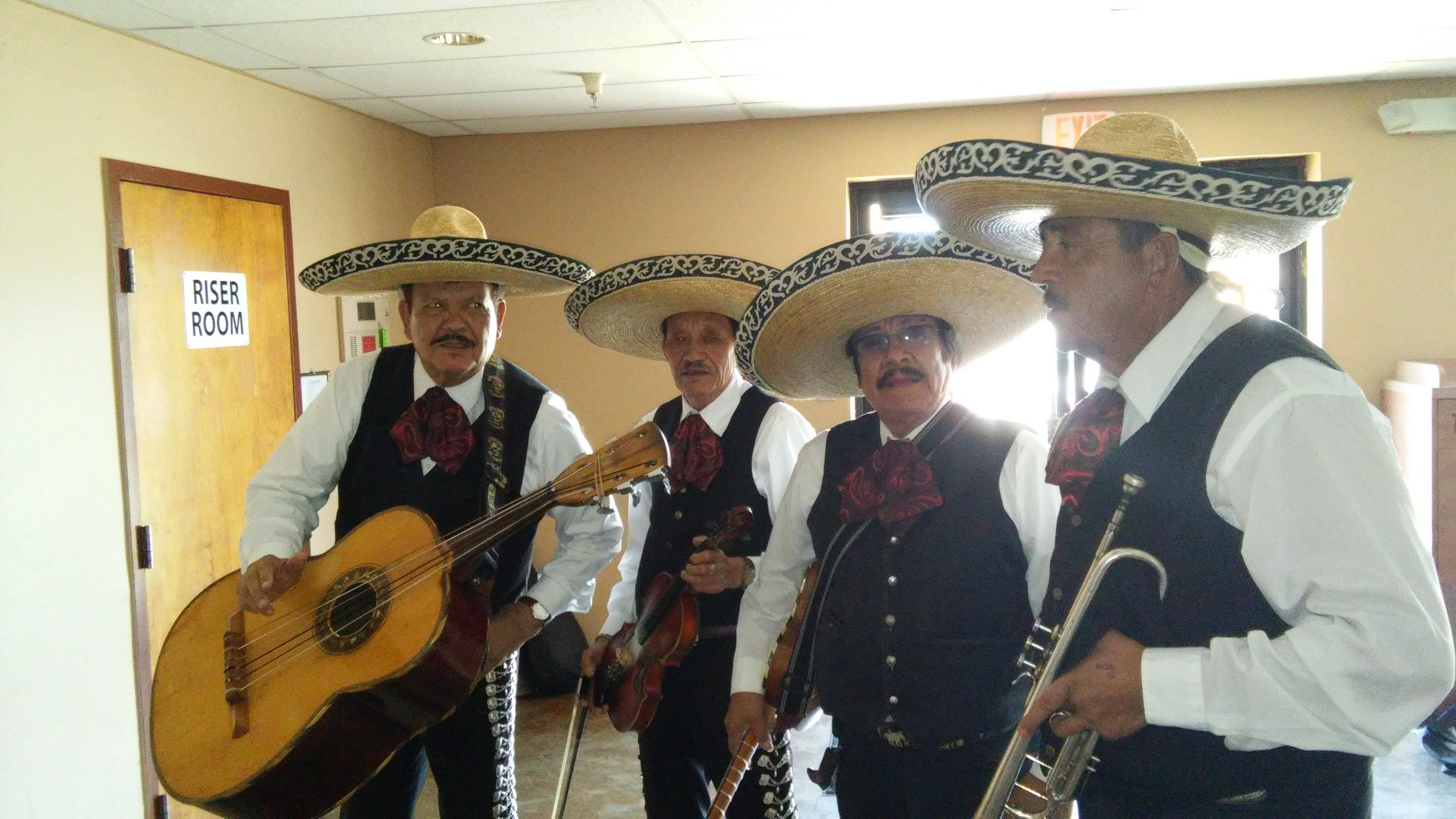 Mariachi Alegre de Tucson in performance