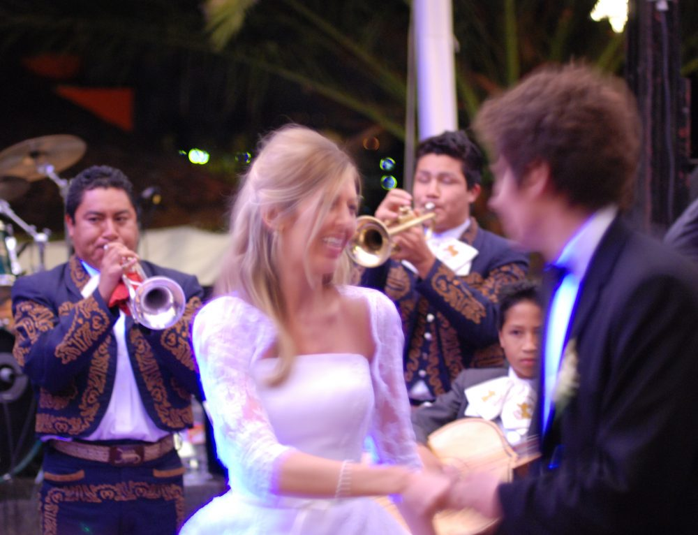 10 Reasons to let a Mariachi Band grace your Wedding