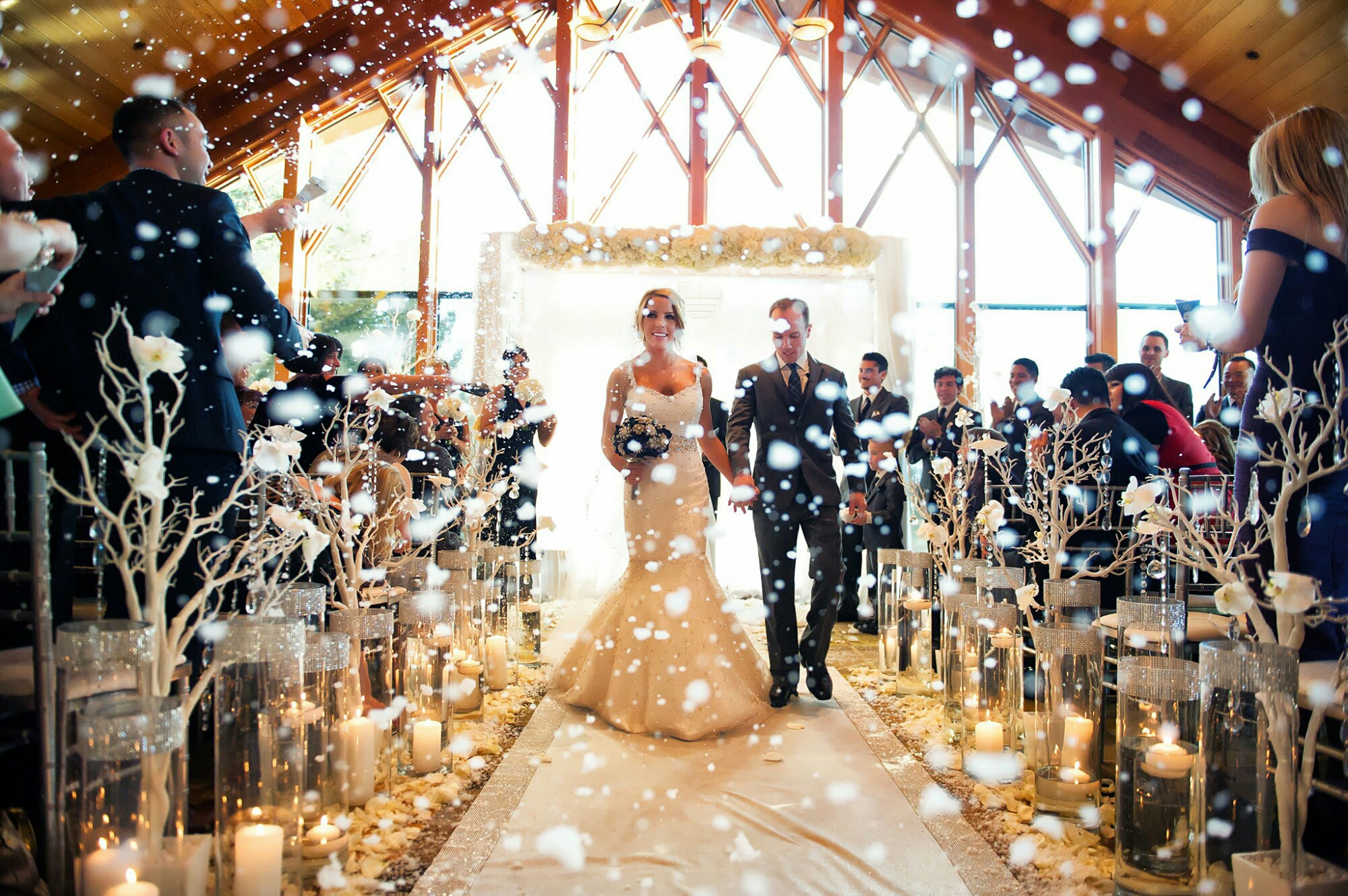 7 Magical Things Exclusive To A December Wedding