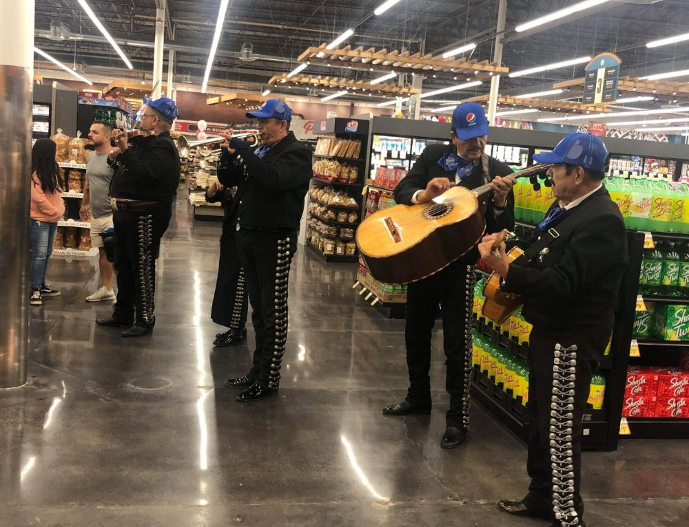 Merry Christmas! Enjoy Exciting Holiday Events with a Mariachi Band in Arizona